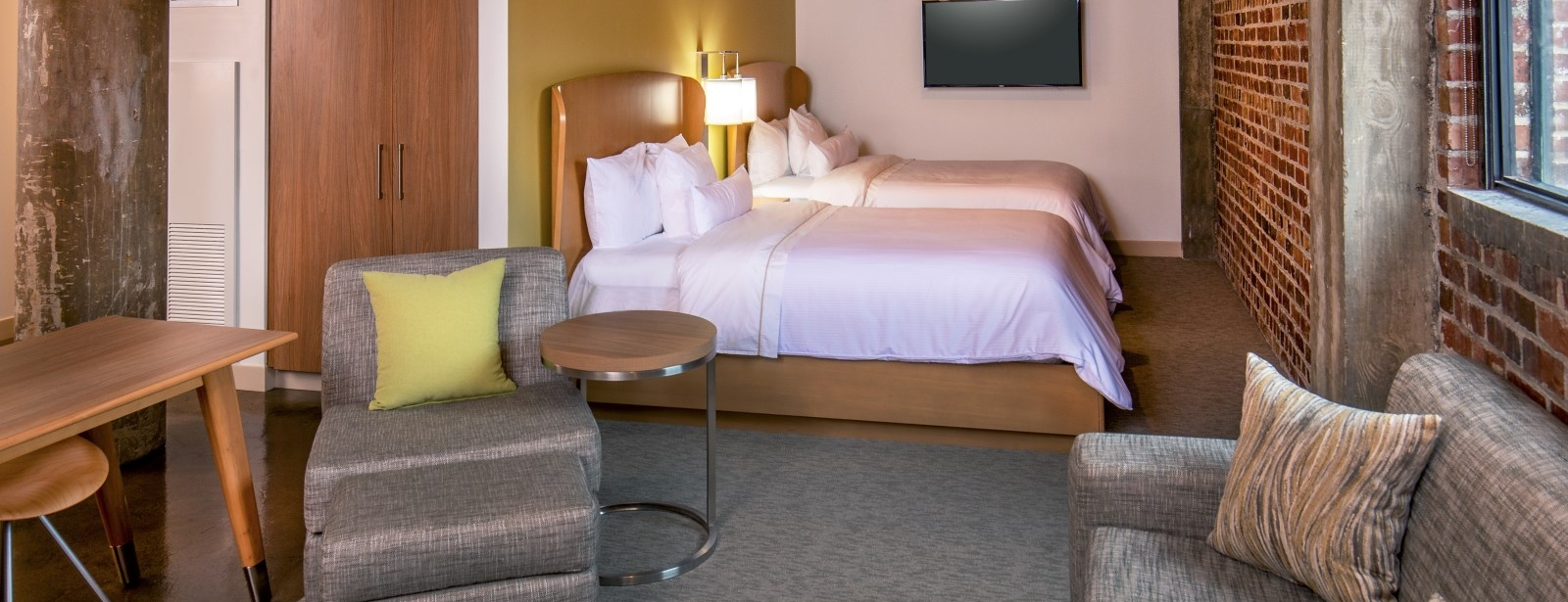 Moline Accommodations - Accessible Room